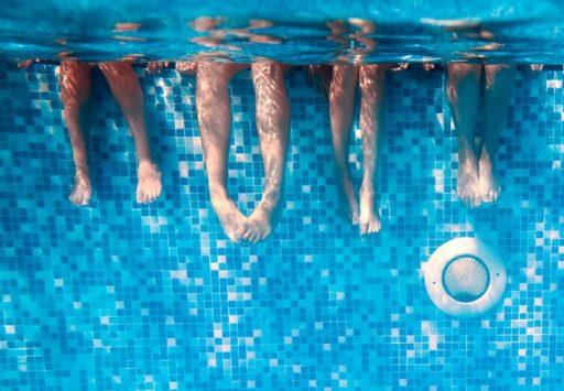Babyschwimmkurs Im Bad St Leonhard Hello Familiii