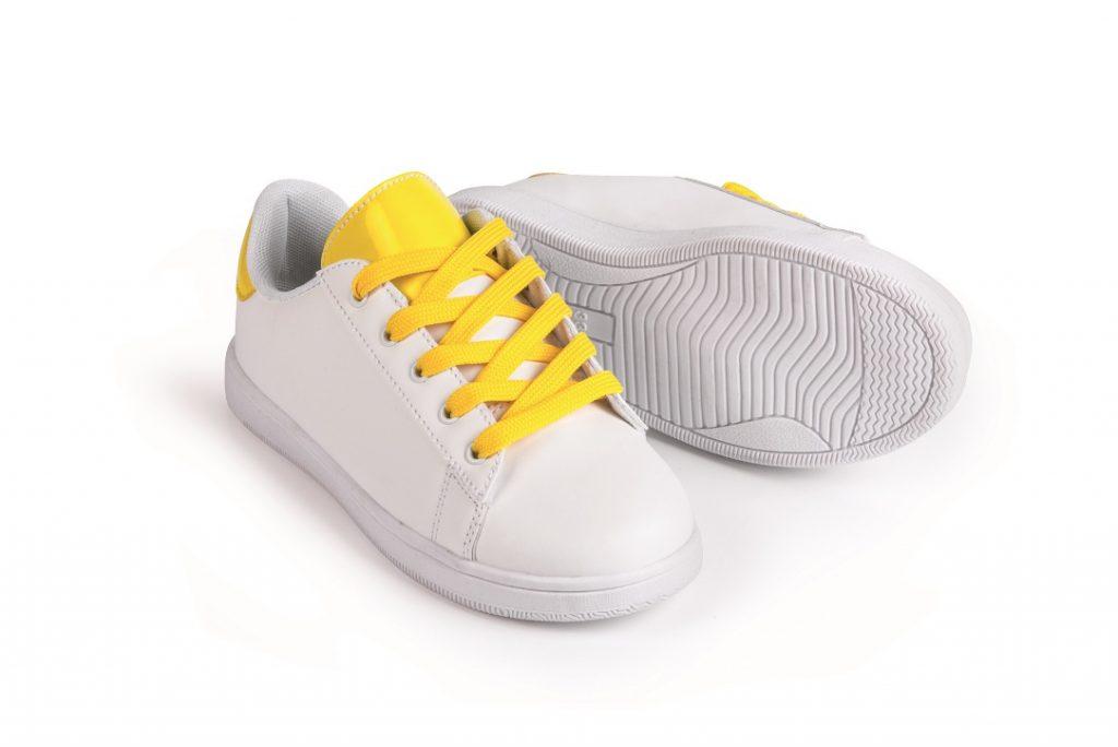 size 40 68af0 645e5 Cool: Kinder-Schuhe, die im Sonnenlicht die Farbe wechseln ...