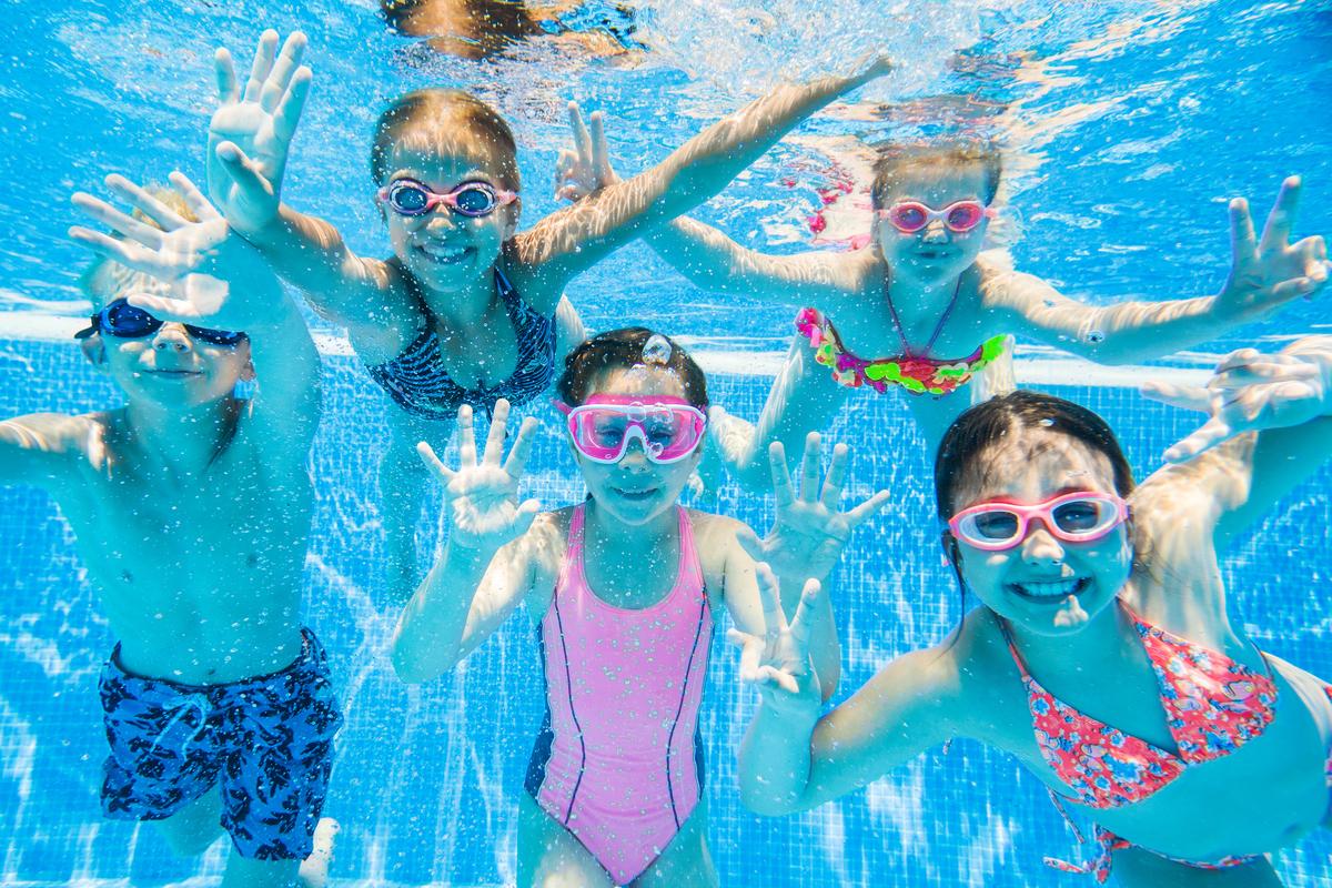 Schwimmen Baden Freibad Sommer Kinder