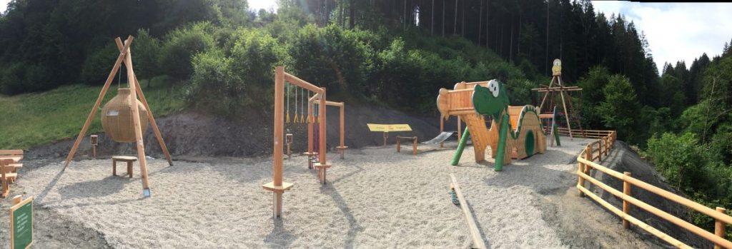Ridor-Spielplatz mit Schaukel beim JUFA Natur-Hotel Bruck
