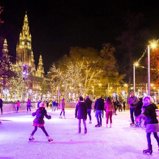 Wiener Weihnachtstraum Eislaufen am Abend