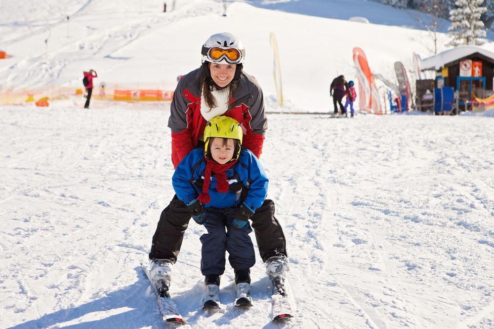 skifahren familien österreich günstig