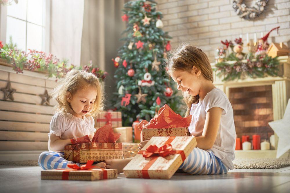 zu viele geschenke weihnachten kinder