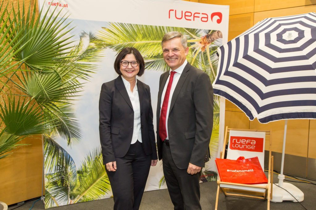 Frau Helga Freund, Vorstand VB und Herr Walter Krahl, GF Ruefa