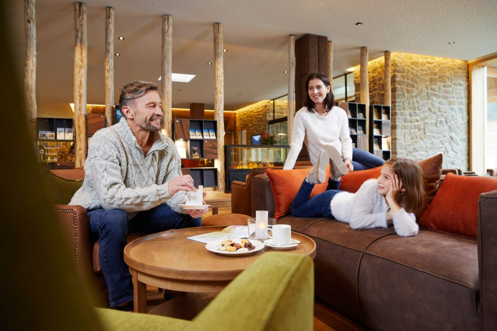 restaurant_hotelbar_leading_family_hotel_resort_dachsteinkoenig