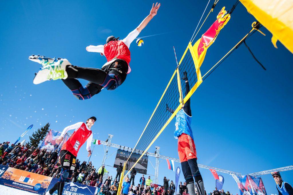 Bis zu acht Damen- und acht Herrenteams batteln am Wochenende 16.-17.3. auf der Turracher Höhe um den österreichischen Meistertitel im Snow Volleyball