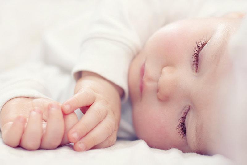 Sprachentwicklung: Baby schlafend