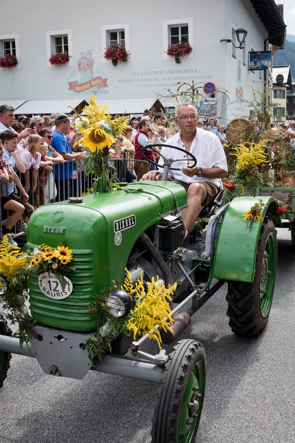 Raurisertal: oldtimer_traktoren_beim_bauernherbst_c_florian_bachmeier_tourismusverband_rauris