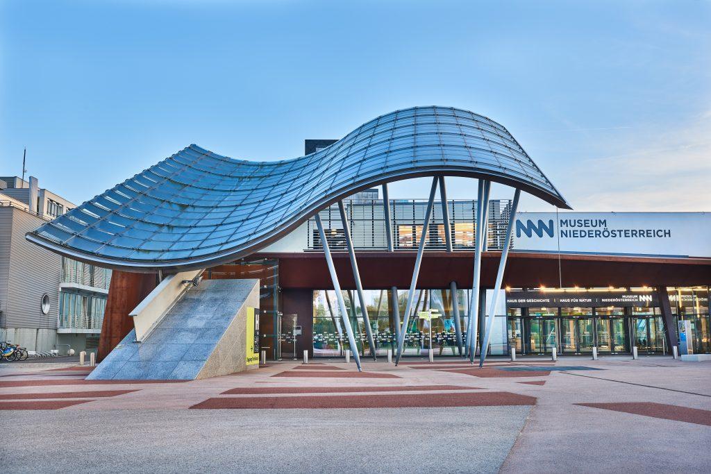 Außenansicht Museum Niederösterreich frontal