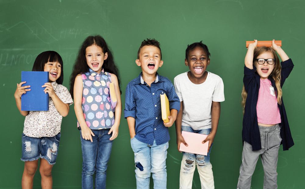Schulkinder unterschiedliche Ethnien
