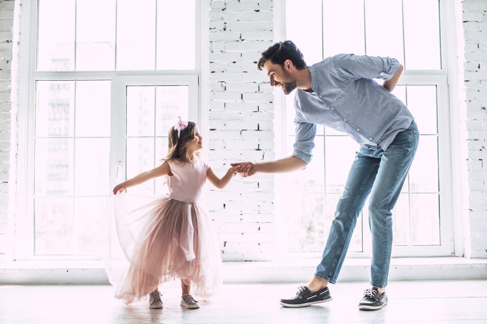 Vater tanzt mir Tochter