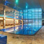indoor_badelandschaft_c_www.360perspektiven.at_dachsteinkoenig_-_familux_resort