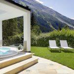 outdoorwhirlpool_im_hotelgarten_c_mike_huber_das_adler_inn_-_tyrol_mountain_resort