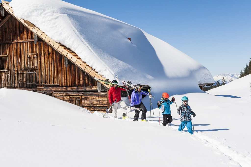 familienskitag_in_dachstein-west_c_hermann_erber_ruperti_hotels