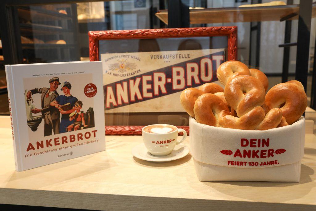 """Ankerbrot feiert 130 Jahre Wiener Backtradition mit einem neuen Buch zur Firmengeschichte und dem """"Süßen Ankerl"""""""