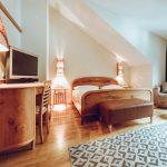 l_classic_garden_zimmer_im_schlichten_alpinstil_mit_balkon_hotel_botango