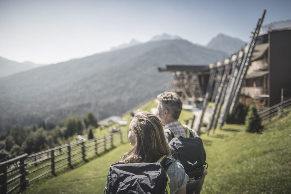 ein_paradies_fuer_wanderer_c_manuel_kottersteger_alpin_panorama_hotel_hubertus