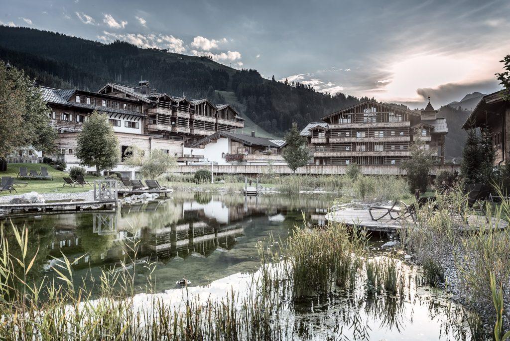 designhotel_im_salzburger_land_mit_naturteich_c_peter_kuehnl_puradies_-_mein_naturresort
