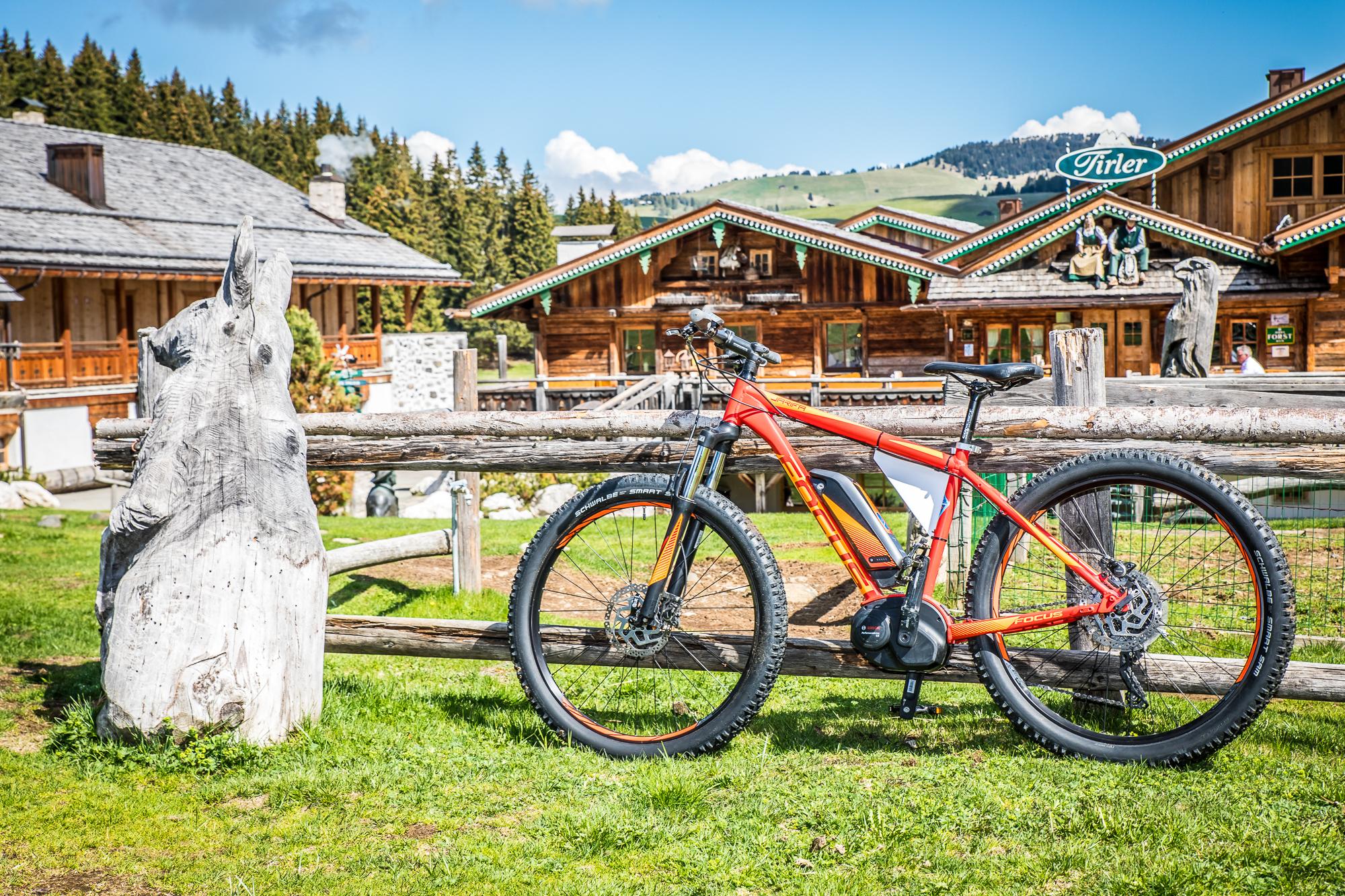 mountainbiken_auf_der_seiser_alm_tirler-dolomites_living_hotel