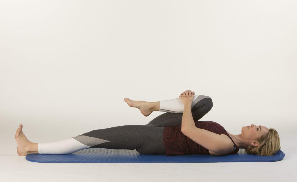 Bein anziehen Aktion gesunder Rücken e.V.