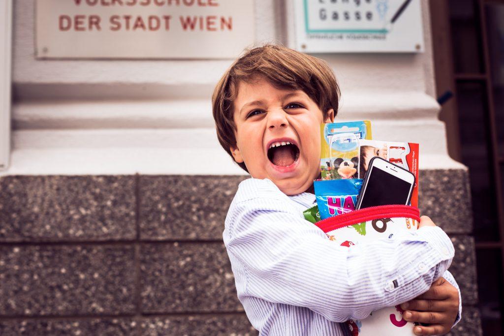 Foto_Handy zum Schulstart mit tarife.at das beste Angebot finden (Copyright tarife.at_Harald Lachner)
