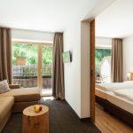 deluxe_familienzimmer_mit_grosszuegigen_raeumlichkeiten_naturhotel_rainer